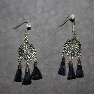 Jewelry - Silver & Black Sun Tassel Earrings